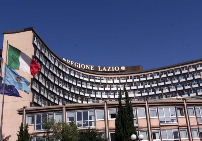 Parte dalla Regione Lazio la  svolta per l'esercizio di  attività sanitaria di odontoiatria  in forma di   Società tra Professionisti (STP)