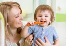 Come insegnare al tuo bambino a lavarsi i denti