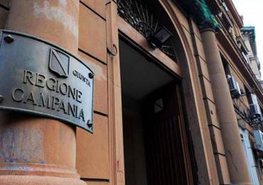 Regione Campania: nuove misure contro assembramenti e mobilità incontrollata
